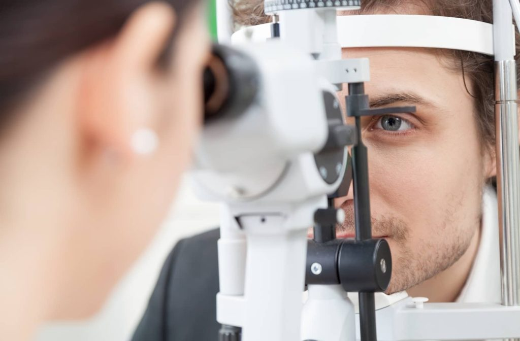 Determine your eligibility for contact lenses and laser eye surgery using corneal topography.